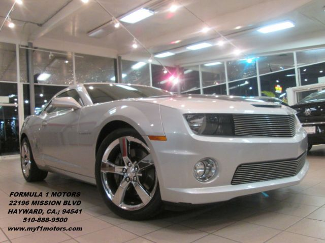 2010 CHEVROLET CAMARO SS 2DR COUPE W2SS silver super clean camaro ss very fast fun to drive g