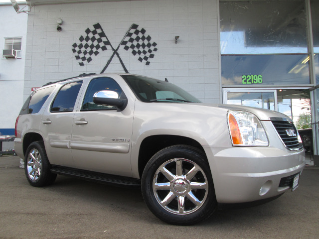 2007 GMC YUKON SLT-2 2WD gold mist metallic this is a fully loaded gmc yukon loaded with navigati