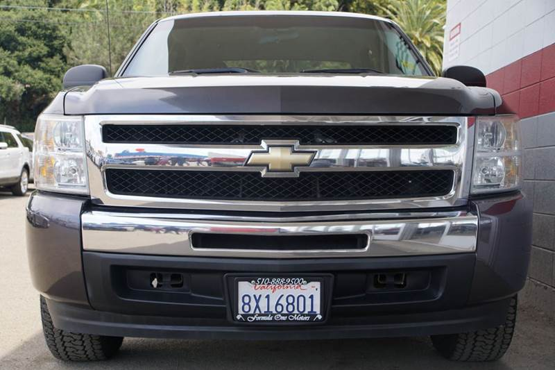 2011 CHEVROLET SILVERADO 1500 LT 4X2 4DR CREW CAB 58 FT SB taupe gray metallic meet our low mil