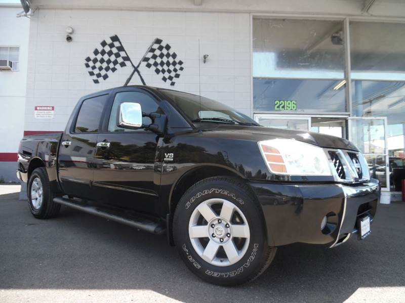 2004 NISSAN TITAN LE 4DR CREW CAB RWD SB black super clean nissan titan gorgeous leather interio