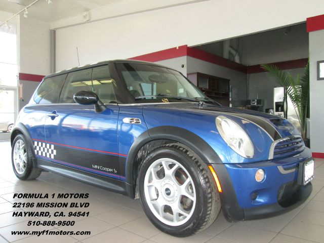2006 MINI COOPER S 2DR HATCHBACK blue this is a very nice mini cooper its in great condition insi