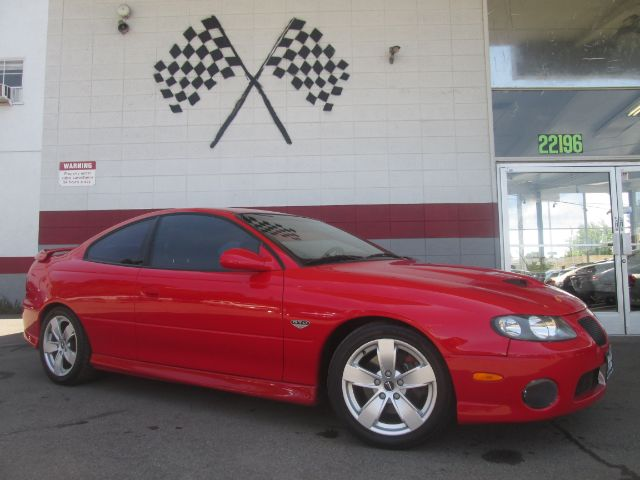 2005 PONTIAC GTO 2DR COUPE red super clean pontiac gto 60l v8 engine manuel 6 speed transmissi