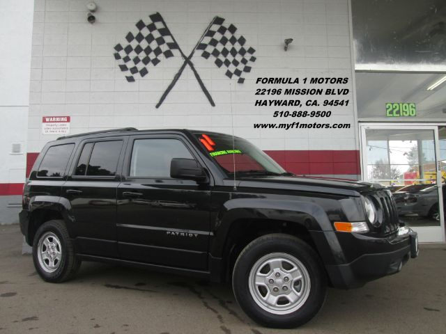 2011 JEEP PATRIOT LATITUDE 4X4 4DR SUV black abs - 4-wheel active head restraints air filtration