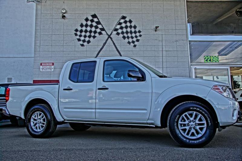 2016 NISSAN FRONTIER SV 4X2 4DR CREW CAB 5 FT SB PIC glacier white youll love getting behind th