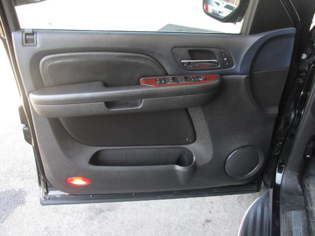 2008 CADILLAC ESCALADE BASE AWD 4DR SUV