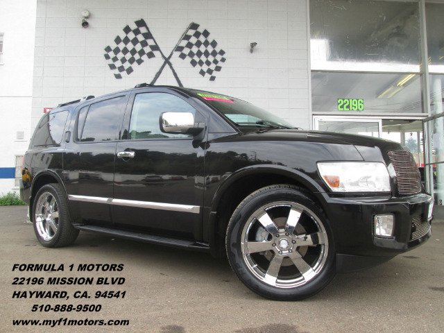 2007 INFINITI QX56 RWD black this is a custom infinity qx56 really one of a kind it has custom wh
