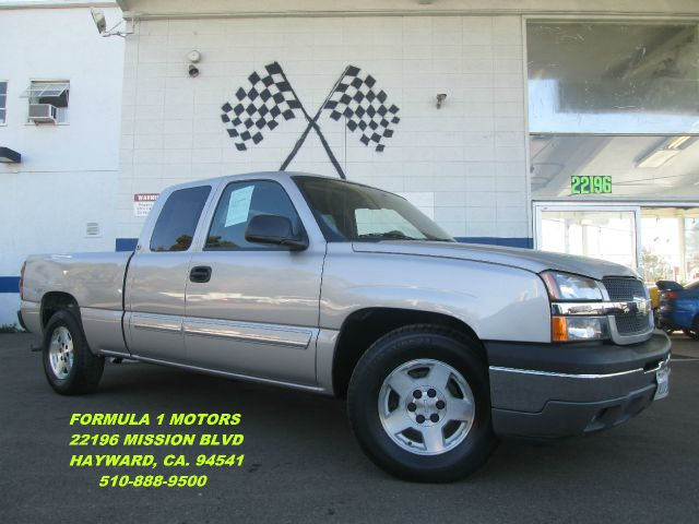 2005 CHEVROLET SILVERADO 1500 LS EXT CAB SHORT BED 2WD silver if your looking for a work truck or