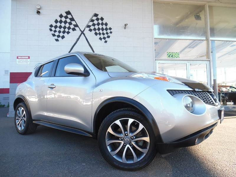 2012 NISSAN JUKE SL 4DR CROSSOVER 6M silver vin jn8af5mrxct100087 6 speed manual with a great loo