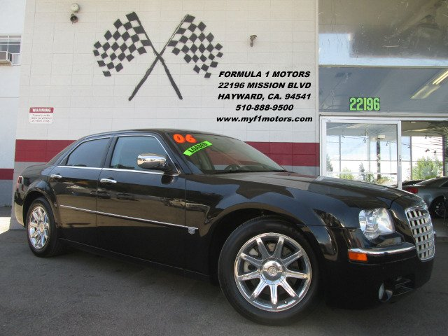 2006 CHRYSLER 300 C 4DR SEDAN black this chrysler 300c is in great condition it has a 57l v8 hem