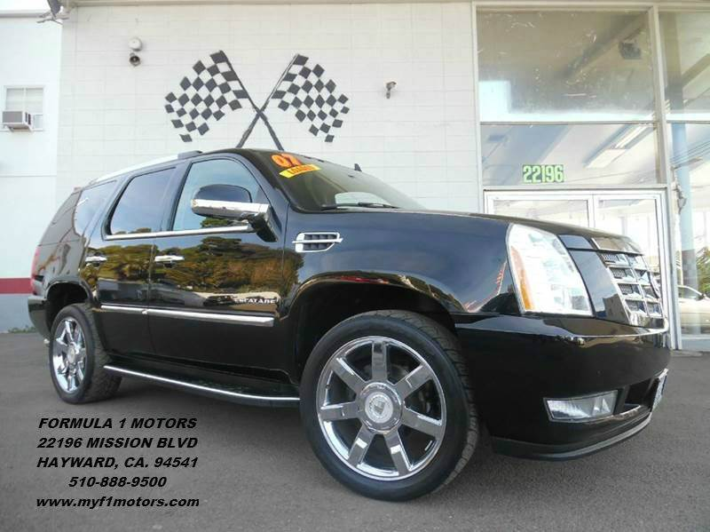 2007 CADILLAC ESCALADE 4DR SUV black super clean cadillac escalade loaded with  leather moon ro