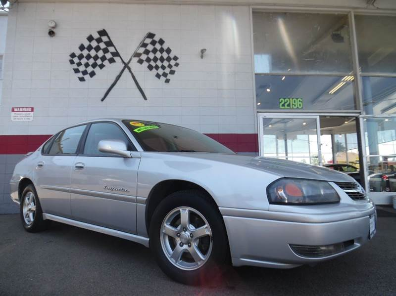 2004 CHEVROLET IMPALA LS 4DR SEDAN silver this is a very nice chevy impala in great condition v