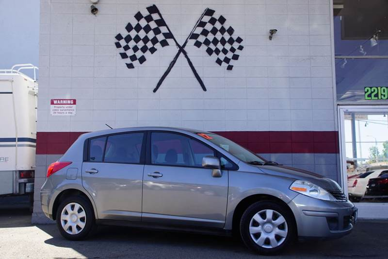 2012 NISSAN VERSA 18 S 4DR HATCHBACK 4A magnetic gray metallic 2-stage unlocking doors abs - 4-