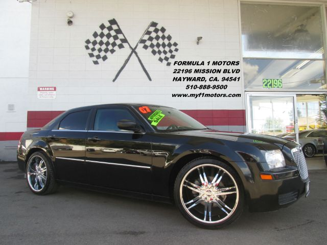 2007 CHRYSLER 300 BASE 4DR SEDAN black this is a very nice chrysler 300 it comes with premium whe