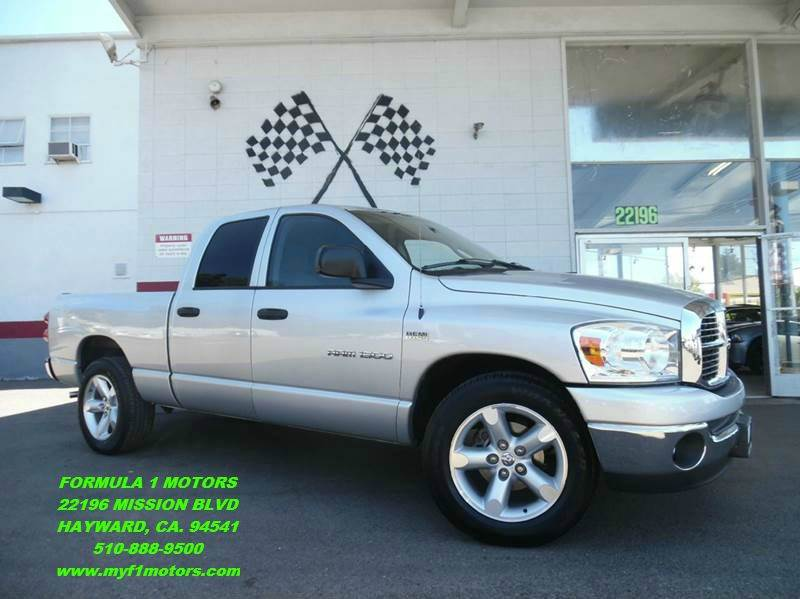 2007 DODGE RAM PICKUP 1500 SLT 4DR QUAD CAB SB silver this is a very nice dodge ram 1500 its in