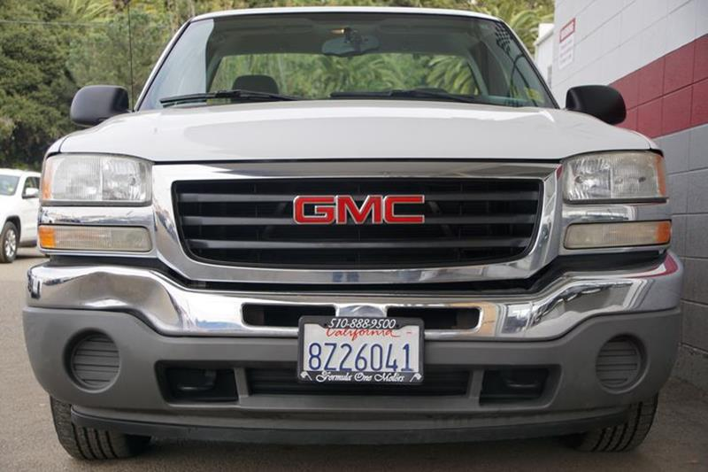 2006 GMC SIERRA 1500 SL summit white the pickup truck has long been a mainstay of american byways