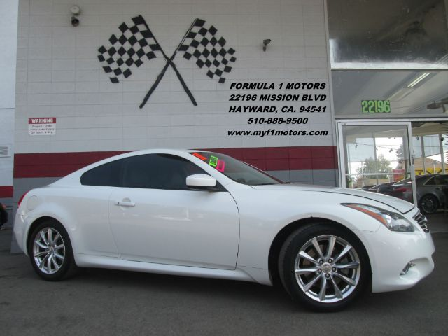 2011 INFINITI G37 COUPE SPORT 2DR COUPE white 2-stage unlocking - remote abs - 4-wheel air filtr