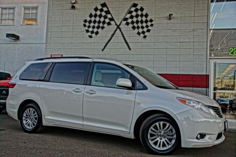 2015 TOYOTA SIENNA XLE blizzard pearl youll be the most fashion-forward family in the cul-de-sac