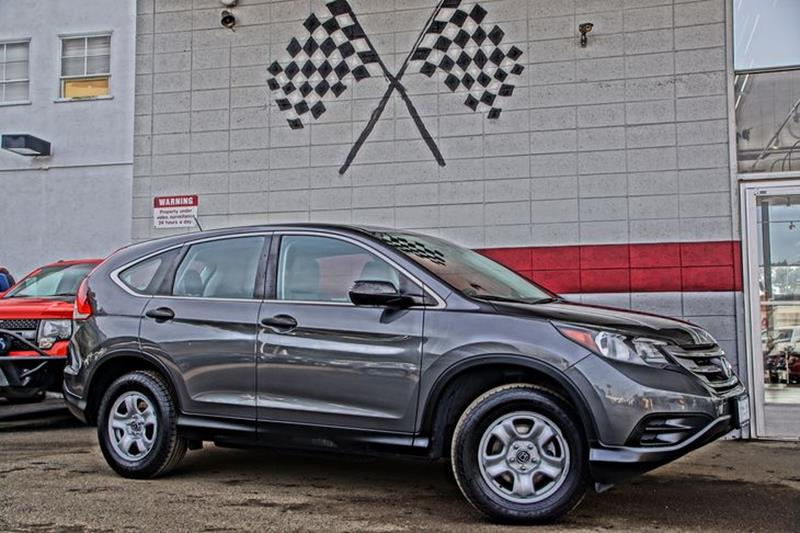 2014 HONDA CR-V LX 4DR SUV alabaster silver metallic add some versatility and style to your day w
