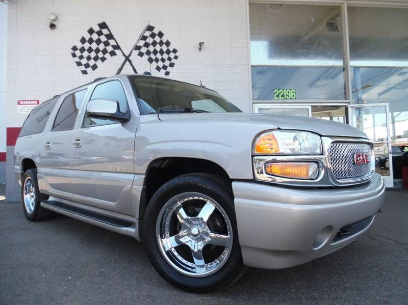 2005 GMC YUKON XL DENALI AWD 4DR SUV grey vin  1gkfk66u15j189216  this is a very nice gmc yukon