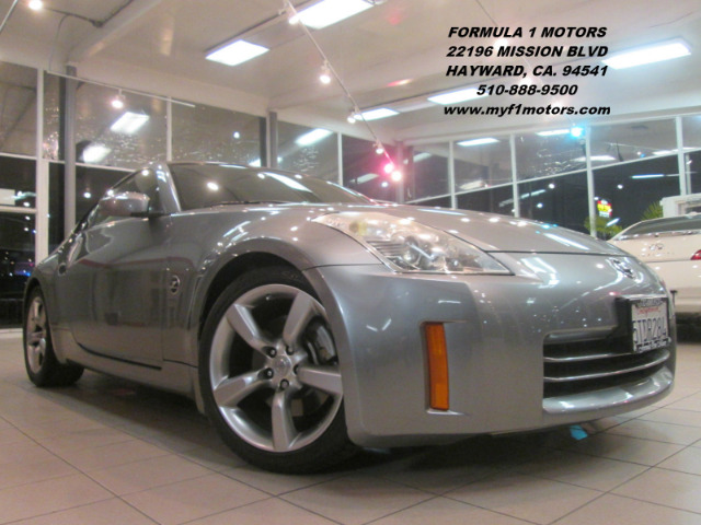 2006 NISSAN 350Z BASE 2DR HATCHBACK 35L V6 6M silver this is a very nice nissan 350z super fun