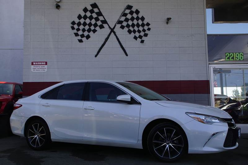 2015 TOYOTA CAMRY XSE 4DR SEDAN white vin 4t1bf1fk8fu092770 this toyota camry is great for the fa