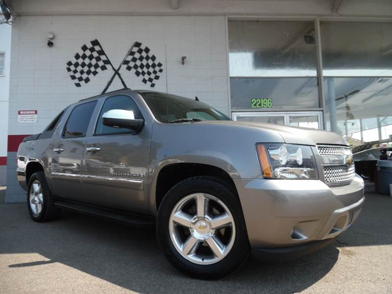 2009 CHEVROLET AVALANCHE LTZ 4X2 CREW CAB 4DR grey vin 3gnec32079g233126 this is a super clean ch