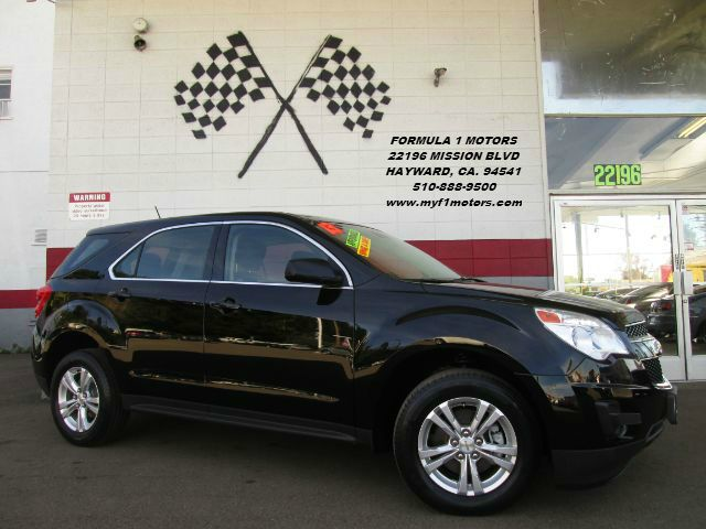 2013 CHEVROLET EQUINOX LS 4DR SUV black this is a beautiful chevrolet equinox super clean inside