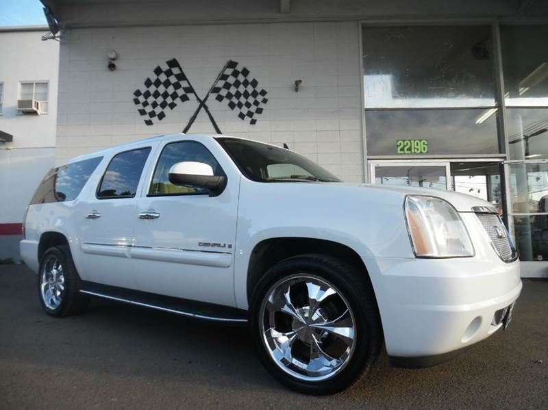 2007 GMC YUKON XL DENALI AWD 4DR SUV white super clean gmc denali perfect for the family very sp