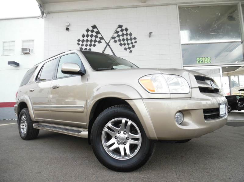 2005 TOYOTA SEQUOIA SR5 4WD 4DR SUV gold vin 5tdbt44ax5s257407 this car is in great condition
