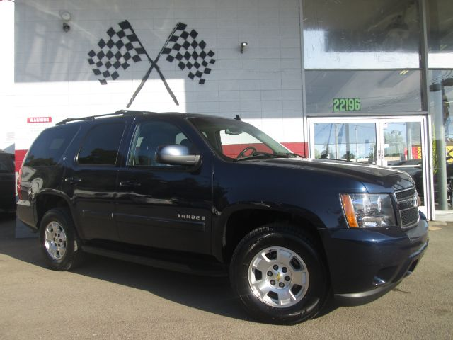 2007 CHEVROLET TAHOE LT 4DR SUV blue this is a gorgeous chevy tahoe runs great beautiful leathe
