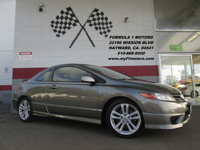 2006 HONDA CIVIC SI 2DR COUPE grey this is a very nice honda civic si its super fun to drivemoo