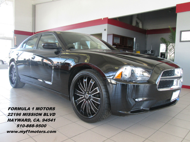2013 DODGE CHARGER SE 4DR DAN black this is a very nice 2013 charger with only 21k on itpremium w
