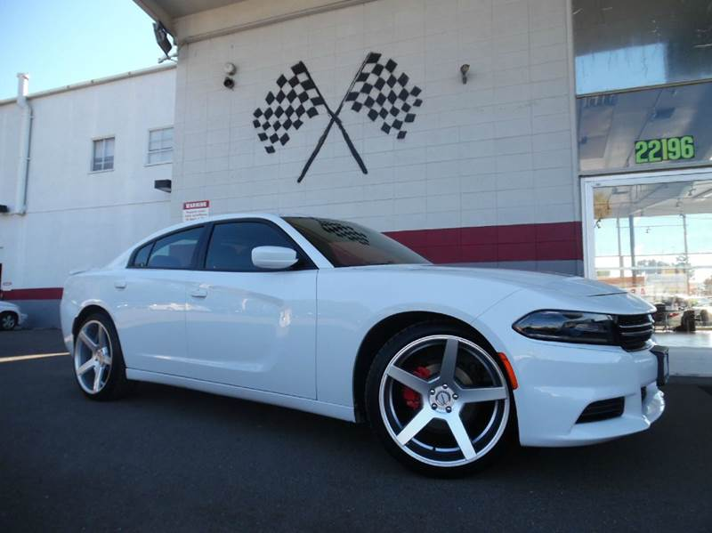 2015 DODGE CHARGER SE 4DR SEDAN white vin 2c3cdxbg7fh870485 this dodge charger is amazing has
