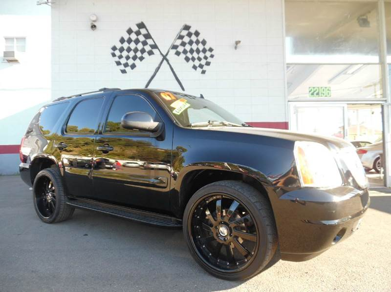 2007 GMC YUKON SLT 4DR SUV 4WD black super clean gmc yukon loaded with leather navigation dvd