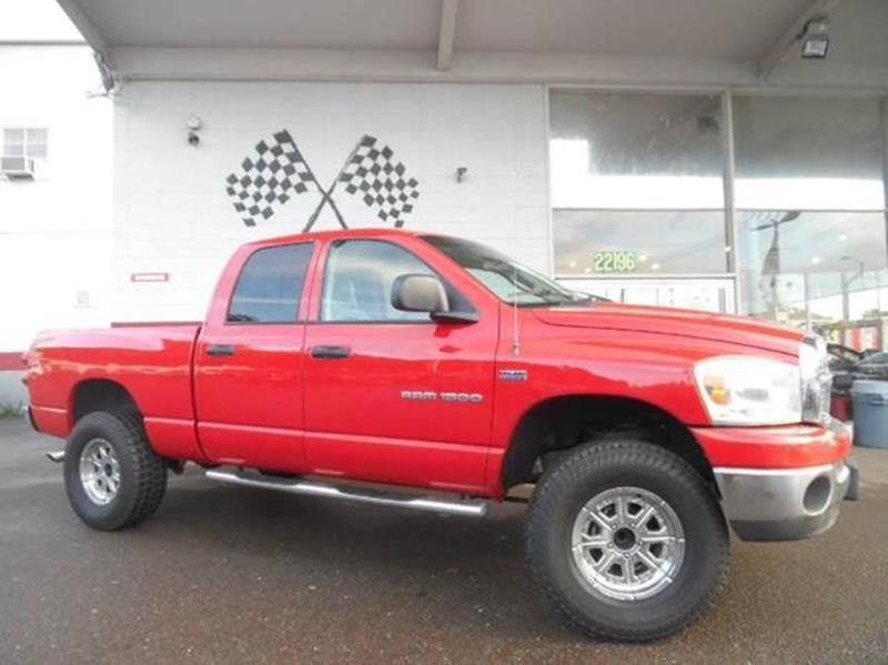 2007 DODGE RAM PICKUP 1500 SLT 4DR QUAD CAB SB flame red this truck has all the power and styling