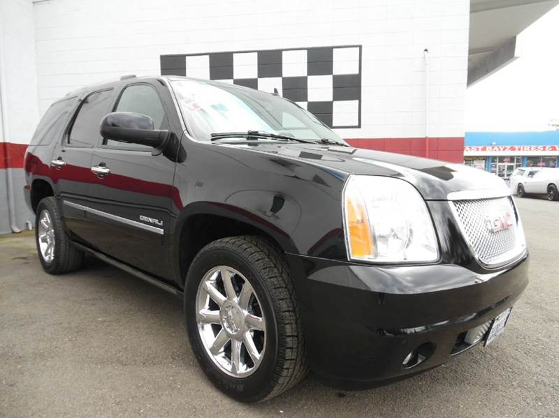 2011 GMC YUKON DENALI 4X2 4DR SUV black vin1gks1eef0br109240 great car with low miles and amazin