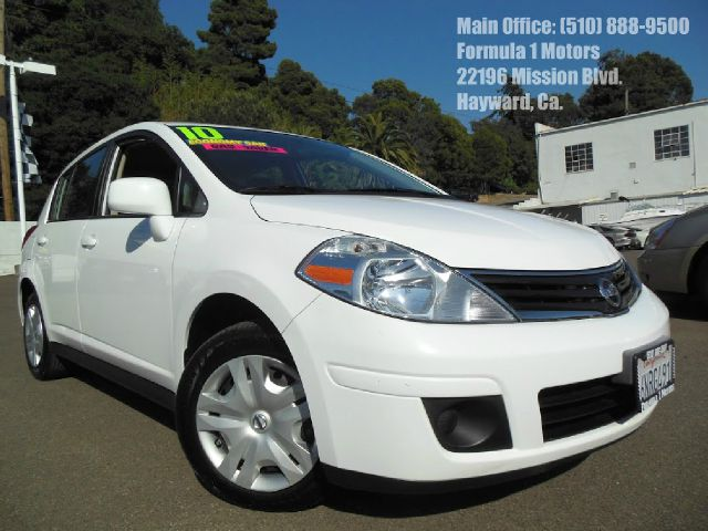 2010 NISSAN VERSA 18 S HATCHBACK white 18l 16v automatic gas saver very affordable low milea