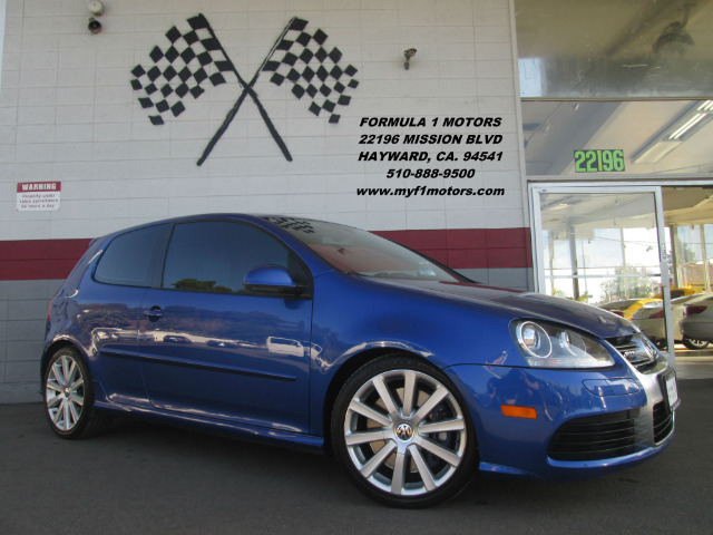 2008 VOLKSWAGEN R32 BASE AWD HATCHBACK blue this is a gorgeous vw r32 only 5000 made this is