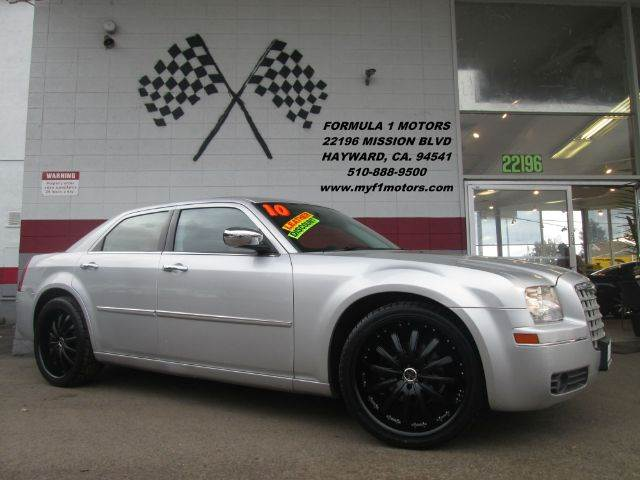 2010 CHRYSLER 300 TOURING 4DR SEDAN silver this is a gorgeous chrysler 300  super clean inside a