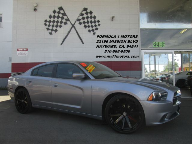 2013 DODGE CHARGER SE 4DR SEDAN grey this is a very nice dodge chargerin great condition brand