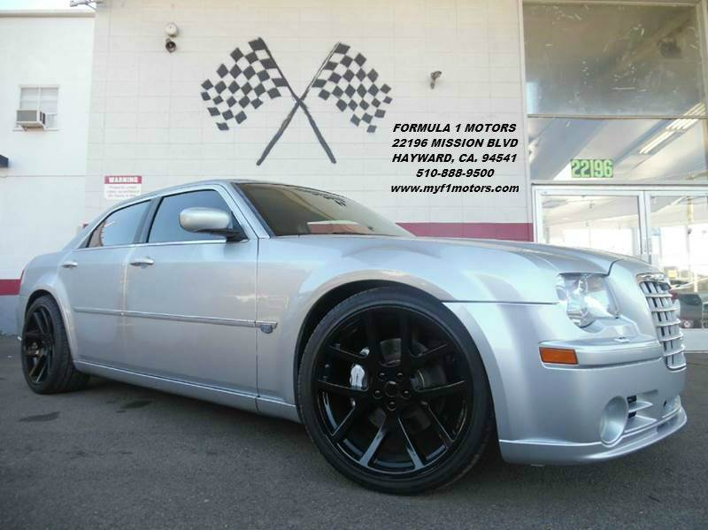 2007 CHRYSLER 300 SRT-8 4DR SEDAN silver this chrysler 300 srt-8 is super clean premium wheels