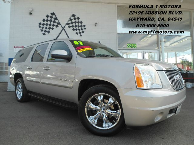 2007 GMC YUKON XL SLE-2 12 TON 2WD beige this is a beautiful new body yukon xl with plenty of roo