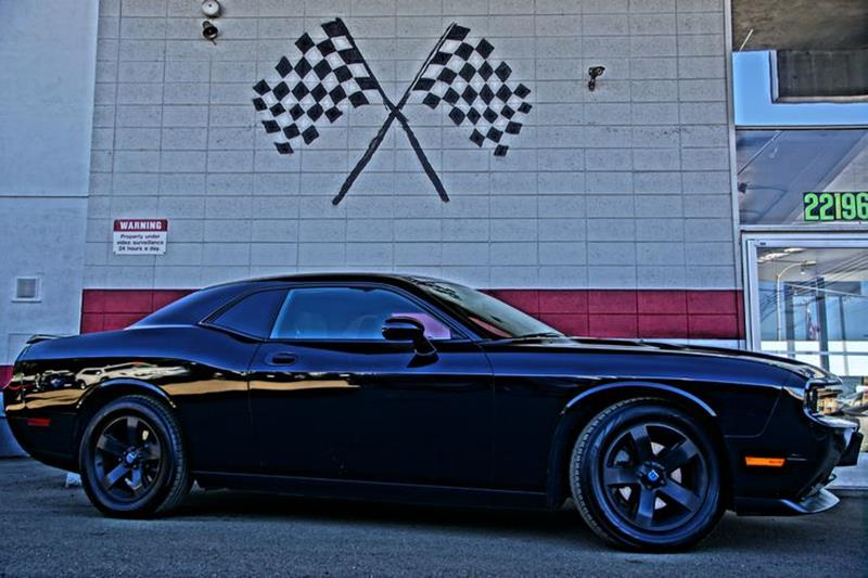 2010 DODGE CHALLENGER SE 2DR COUPE brilliant black pearl bringing classic back in a big way our