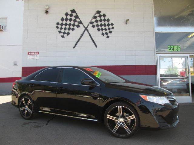 2012 TOYOTA CAMRY LE 4DR SEDAN black this is a super clean toyota camry premium wheels very cle