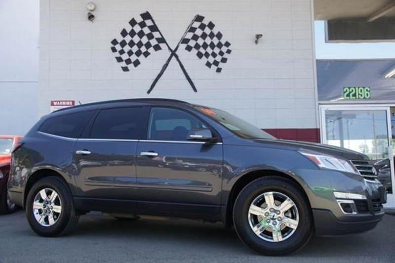 2014 CHEVROLET TRAVERSE LT 4DR SUV W2LT cyber gray metallic with a spacious interior lots of ca