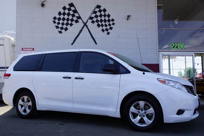 2011 TOYOTA SIENNA BASE 7 PASSENGER 4DR MINI VAN L4 super white 2-stage unlocking doors abs - 4-
