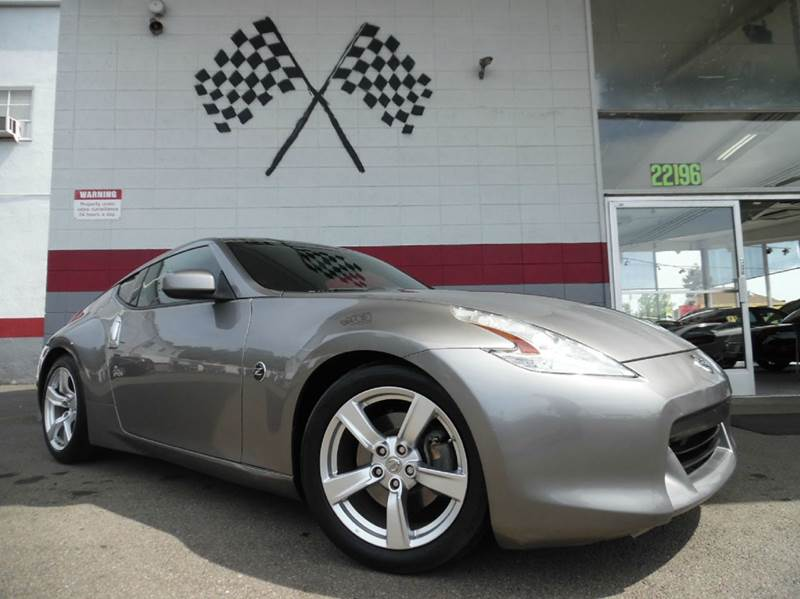 2010 NISSAN 370Z BASE 2DR COUPE 6M pewter this nissan 370z is a great car has leather interior