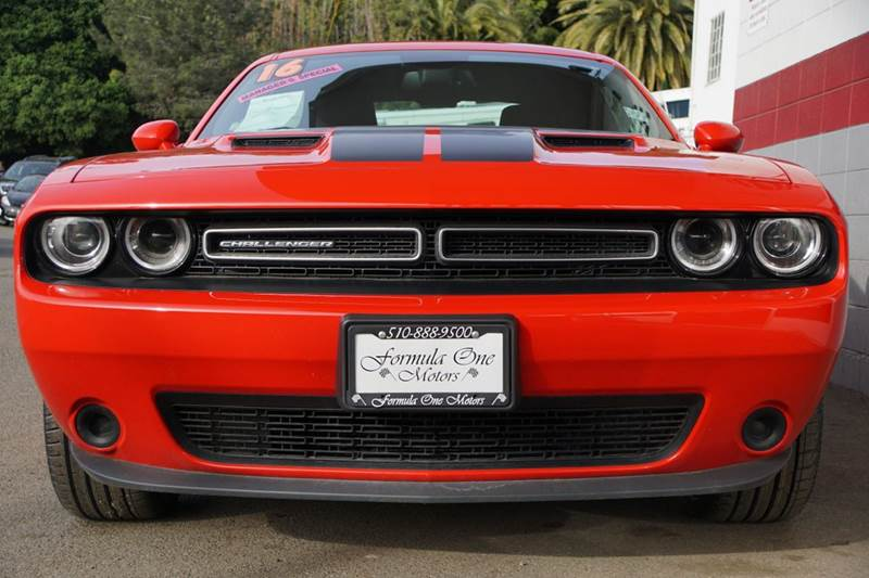 2016 DODGE CHALLENGER SXT 2DR COUPE red vin 2c3cdzag2gh113525 this challenger is in great conditi
