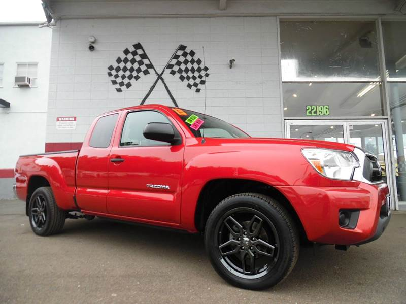 2013 TOYOTA TACOMA 4X2 4DR ACCESS CAB 61 FT SB 4A red this is a very nice toyota tundra super c