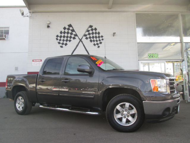2011 GMC SIERRA 1500 SLT 4X4 4DR CREW CAB 58 FT SB grey beautiful truck  - 4x4 - leather interior